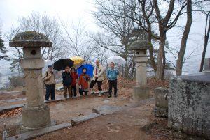 花見の前に田中玄宰の墓前に参拝をしました。